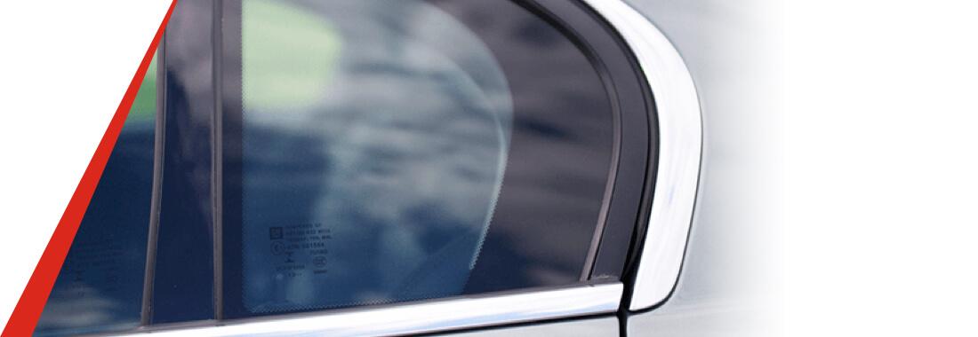 reemplazo de ventanilla triangular del auto